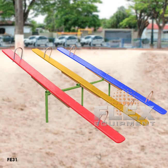 FE12 – Gangorra Infantil 6 Lugares Assento Madeira - Flex Equipment